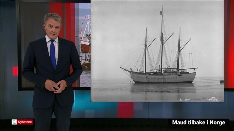 Bilde av programleder og polarskuta Maud
